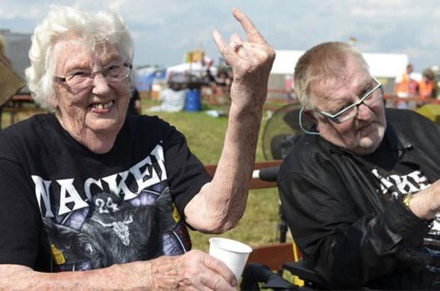 Metal müzik dinleyenler daha mutlu