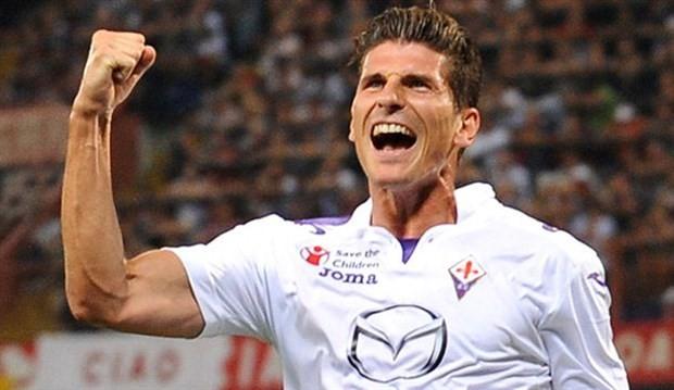 Mario Gomez bu ak  am 22 00 sular  nda   stanbul a gelecekMario Gomez Fiorentina