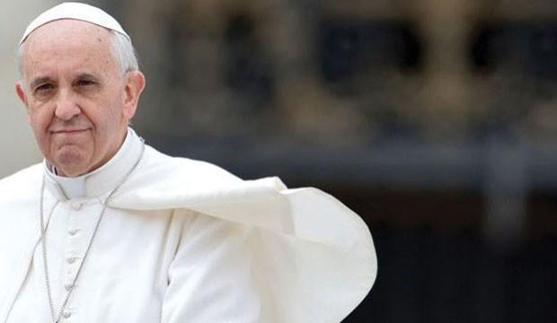 Papa kiliselere birer göçmen aileyi misafir etme çağrısı yaptı