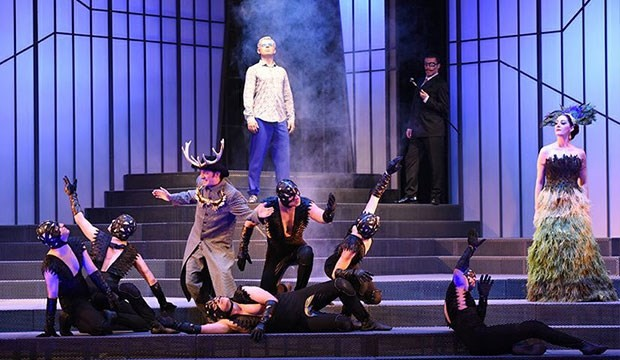 Önyargının terk edilmesi anlamına gelmelidir BAŞKA DÜNYA: Operada açık biçim