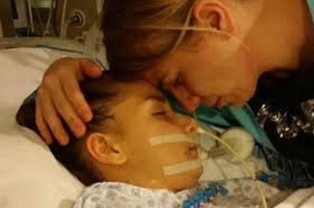 Kalp nakli bekleyen Öykü Ertok yaşam mücadelesini kaybetti
