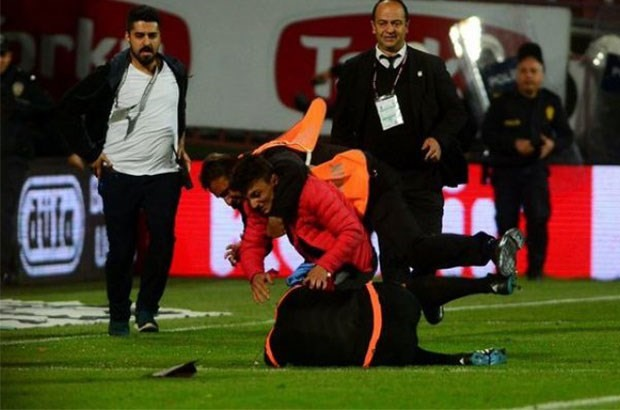 Trabzonspor-Fenerbahçe maçında saldırıya uğrayan hakem kararını verdi