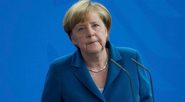 Merkel, Avrupa sağının hedefinde