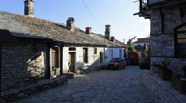 Adanın iki güzel köyü: Panagia ve Theologos