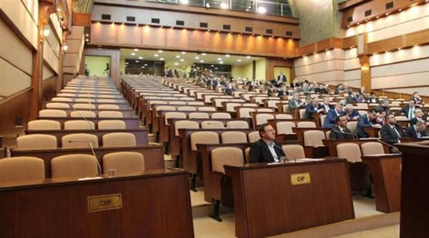 Ensar Vakfı tartışması mikrofon kapattırdı, CHP Meclisi terk etti