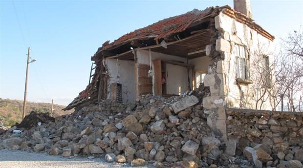 Depremler de tedirginlik de devam ediyor