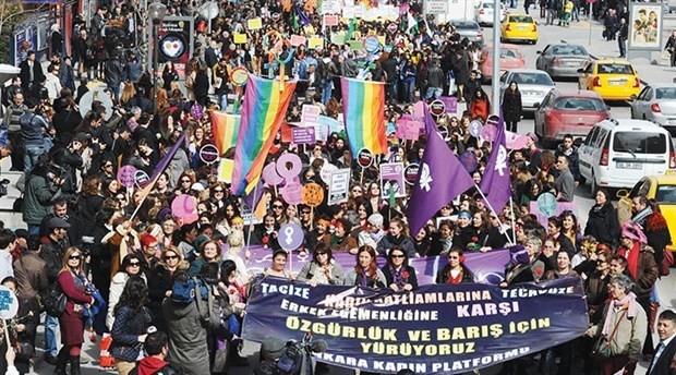 Yasakları aşan kadınlar 8 Mart Dünya Kadınlar Günü için bir araya geliyor: Sokaklar da bizim meydanlar da