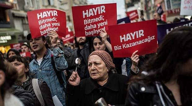Police operation in Turkey against participants of protests against rigged referendum