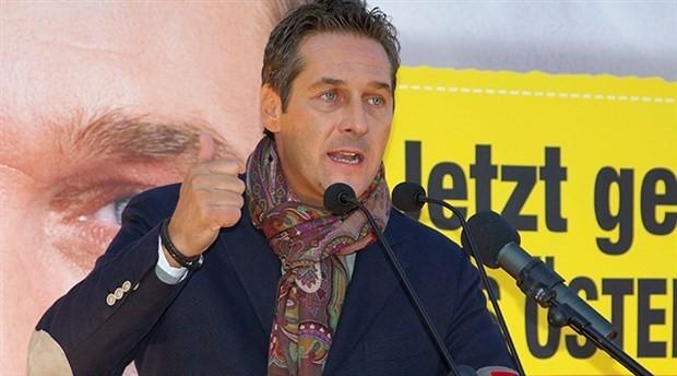 Avusturyalı siyasetçiden Türklere çağrı: Burada açı çekmeniz istediğim en son şey
