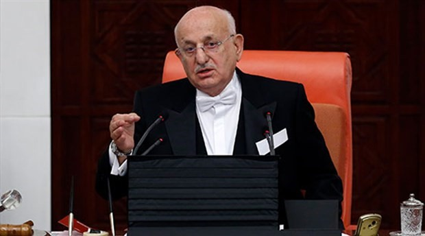 Meclis Başkanı 'frak' derdinden tüzük değişikliği ile kurtuldu