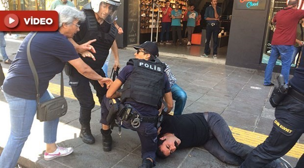 Police in Turkey attack people holding a demonstration for hunger-striking teachers