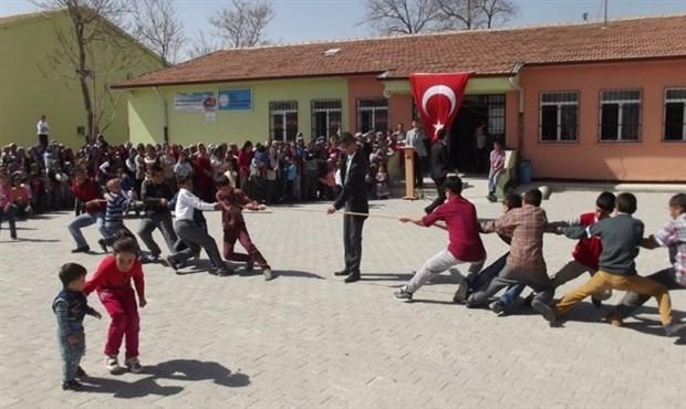 Köy okulları harabeye döndü