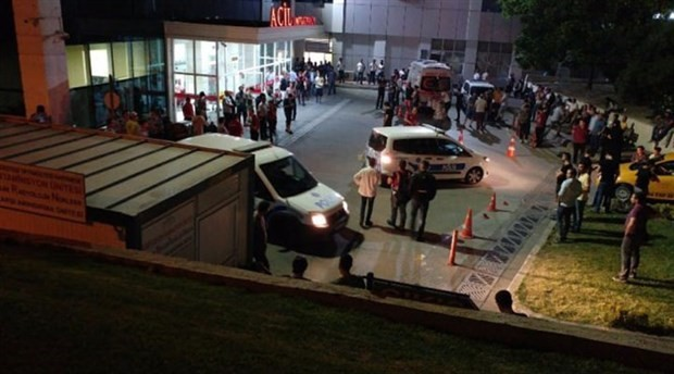 An ISIL suspect in Turkey kills an officer at a police station in İstanbul