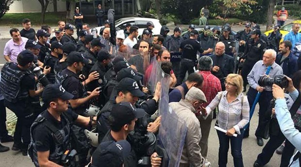 People in Turkey protesting sale of part of Atatürk Forest Farm to USA attacked by police