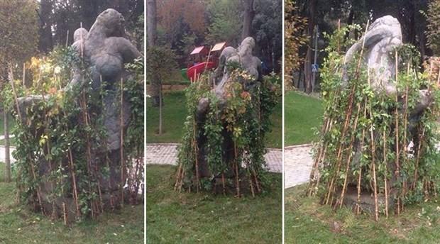 'Müstehcen' diye sürülen heykele şimdi de 'fidan sansürü'