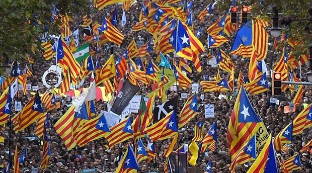 Katalanlar ve Kürtler: Özerklik mi, bütünlük mü?