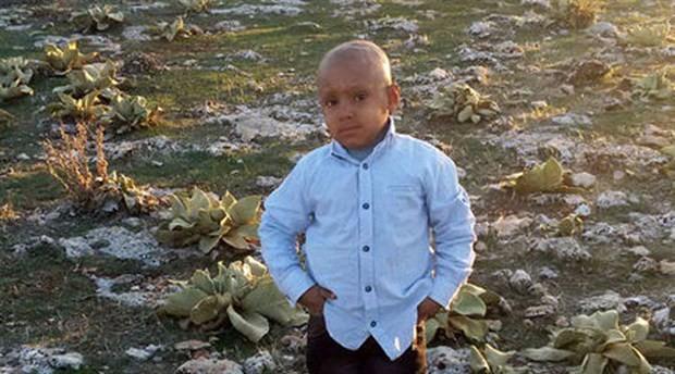 Kanseri yenen Mehmet, servis aracının altında kalarak hayatını kaybetti