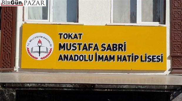 Okul tabelasından zihinlere Mustafa Sabri