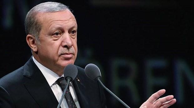 Erdoğan: Kağıtların ne olduğunu bir kendisi bir de onları eline tutuşturanlar biliyor