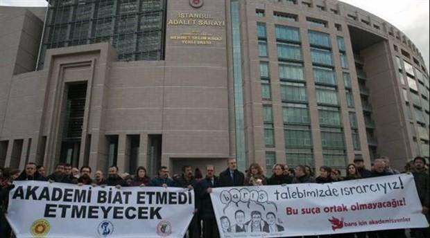 """Barış Akademisyenleri hâkim karşısında: """"İfade özgürlüğünün ihlali"""""""