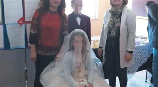 Ortaokul öğrencilerine derste 'düğün': Öğretmenler para taktı