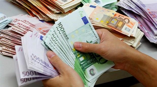 Avro, dolar karşısında üç yılın zirvesini gördü