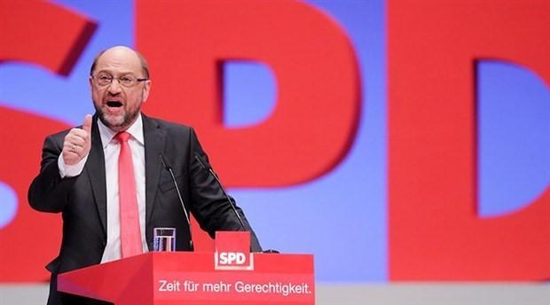 SPD lideri Martin Schulz görevinden istifa etti