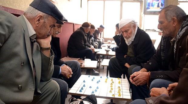 Bu çay ocağında 50 yıldır sadece satranç ve dama oynanıyor