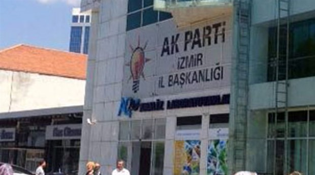AKP İzmir İl Başkanı görevden alındı; yerine atanan isim belli oldu