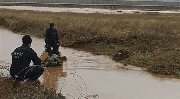 Sel sularına kapılan askerlerin cansız bedenlerine ulaşıldı
