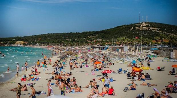 Çeşme Ilıca Plajı halkın oldu: Giriş, şezlong ve şemsiye ücretsiz olacak