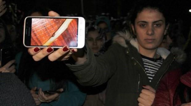 300 öğrencinin zehirlendiği KYK yurdu önünde eylem: İşletme istifa