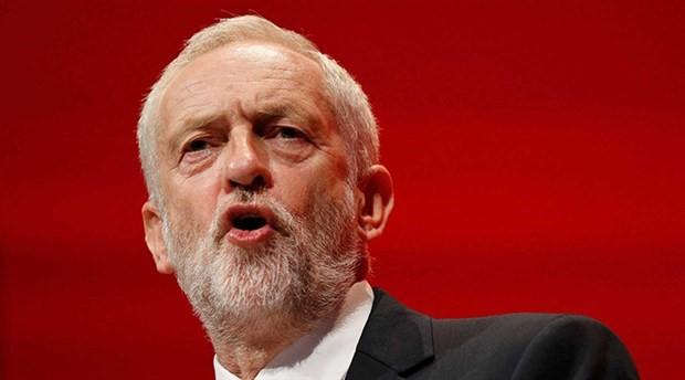 İngiliz İşçi Partisi lideri Corbyn: Bombalar hayat kurtarmayacak veya barış getirmeyecek