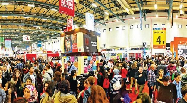 İzmir Kitap Fuarı 470 yayınevi ile kapıları açtı