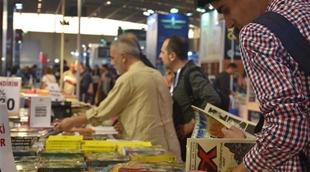 İzmirlilerin kitap fuarına ilgisi büyük