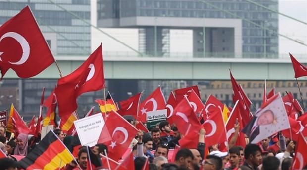 Almanya: Erdoğan seçim kampanyasını evinde yapmalı