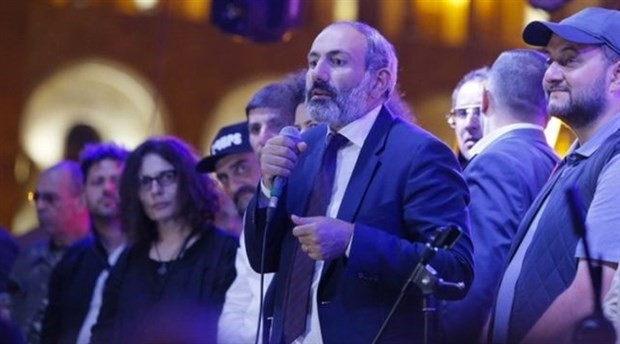 Paşinyan, Ermenistan parlamentosundan başbakanlık için yeterli oyu alamadı