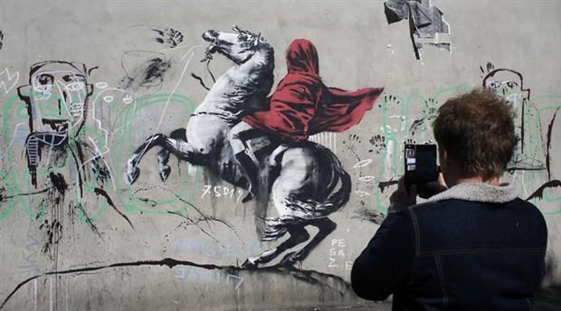 Banksy Paris sokaklarında