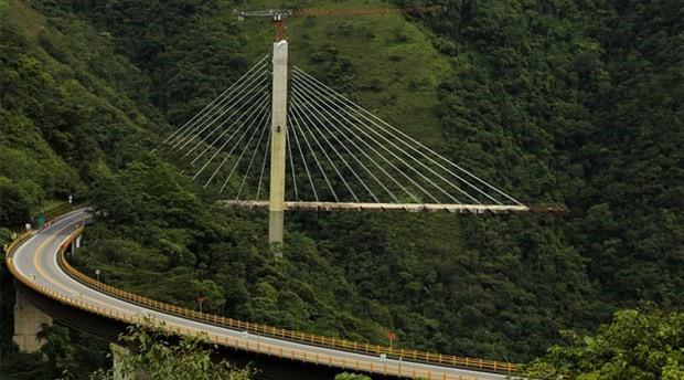 9 işçinin yaşamını yitirdiği asma köprü havaya uçuruldu