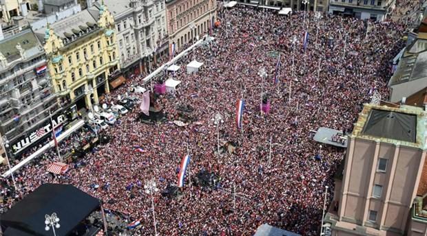 Hırvatistan, Dünya ikincisi olan futbolcularına devlet madalyası verecek