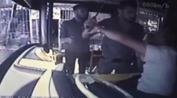 Otobüs şoförüne satırlı saldırı