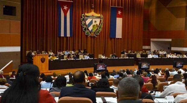 Yeni Küba Anayasası parlamentoda görüşülmeye başlandı