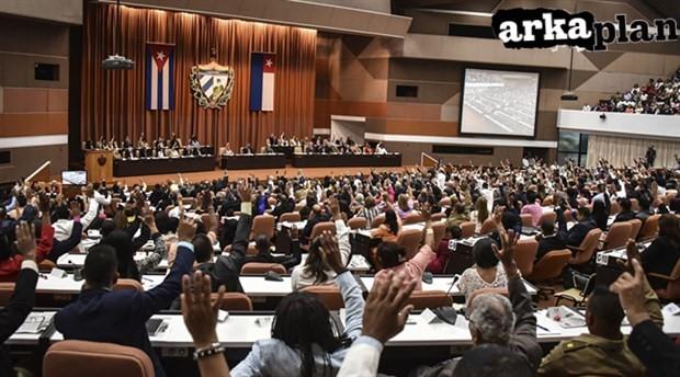 Küba sosyalisttir öyle de kalacak