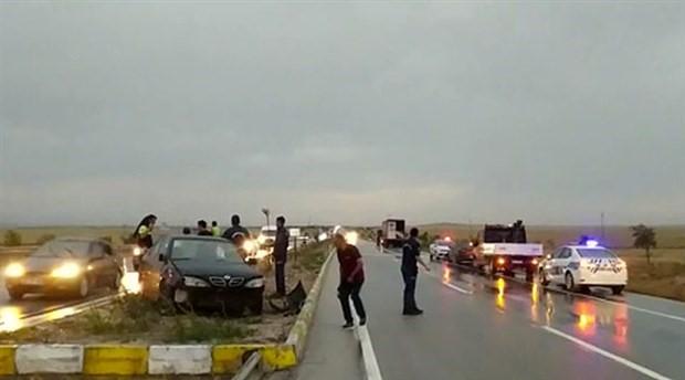 Konya-Ankara karayolunda kum fırtınasıyla nedeniyle zincirleme kaza