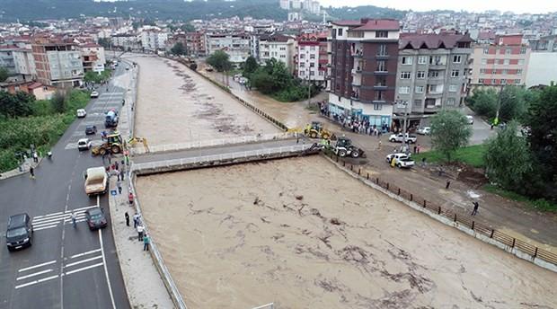 Tabakhane Köprüsü trafiğe yeniden açıldı