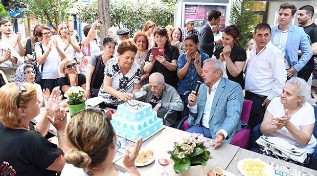 100 yıllık yaşam partiyle kutlandı