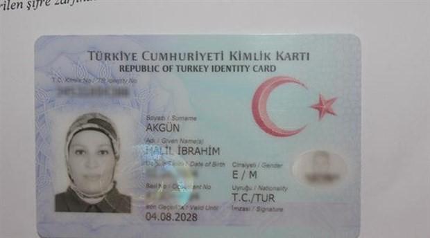 Annenin fotoğrafı oğlunun kimlik kartına basıldı
