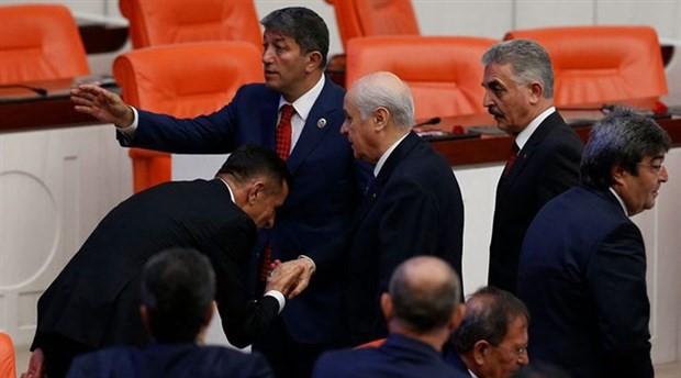 Bahçeli'nin davet ettiği İYİ Parti Milletvekili Arkaz MHP'ye geçti