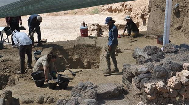 Zincirli Höyük'teki kazılarda Demir Çağı'ndan eserler çıktı