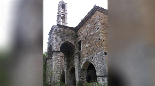 Aziz Nikolas Kilisesi gün geçtikçe yok oluyor